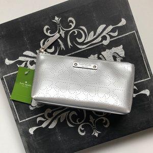 Kate Spade little Shiloh silver case